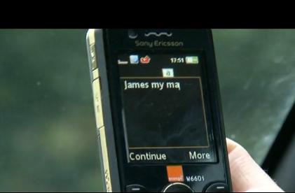 Pisanie SMSów za kierownicą
