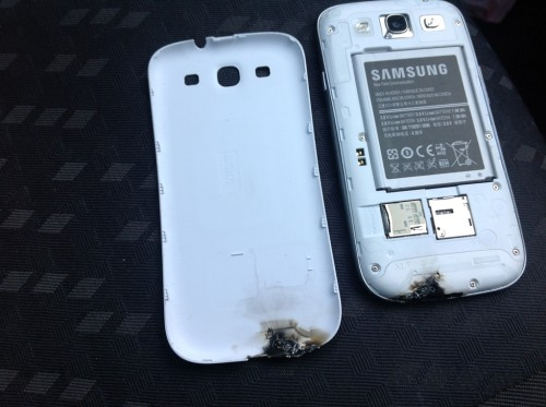 Samsung Galaxy sIII in flames