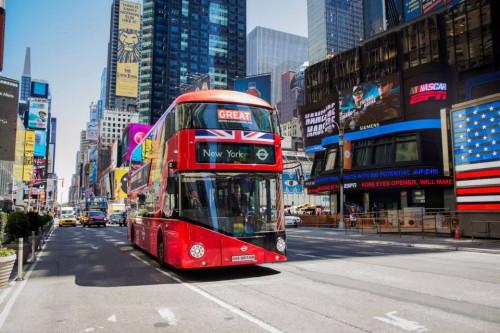 """Virgin Mobile Polska wspiera wyjątkową akcję """"Follow the Bus"""""""
