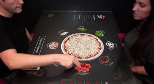 Interaktywny stół w Pizza Hut