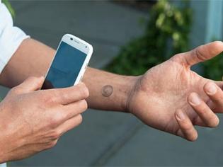 Elektroniczny Tatuaż Motoroli Odblokuje Smartfona Wideo Portal