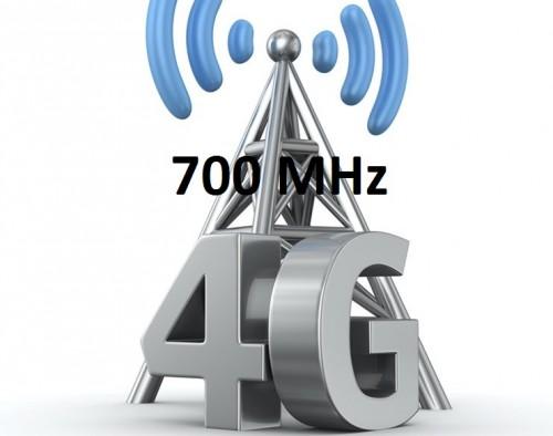 logo 700 MHz