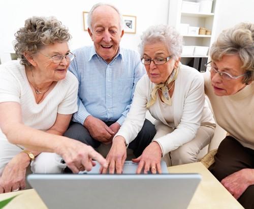 Senior kupuje online