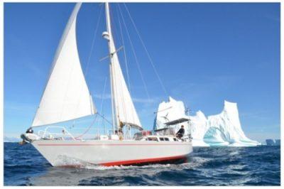 Ekipa Mission Arctic pod żaglami