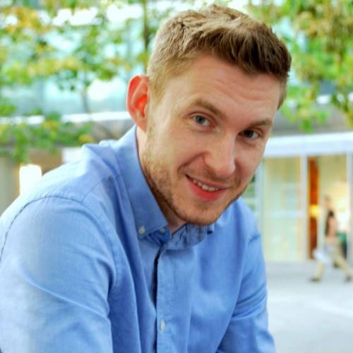 Mateusz Piotrowski, PR Manager w Virgin Mobile Polska