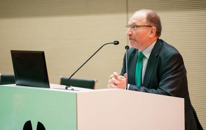 prof. dr hab. inż. Romuald Beck PW