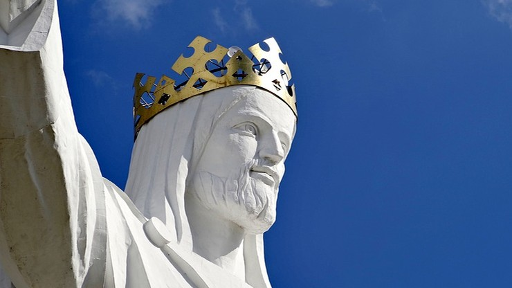 anteny na figurze Jezusa