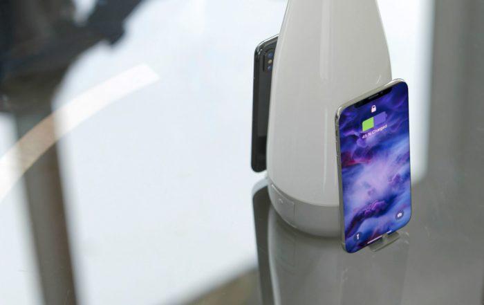 lifestyle 2smartphones charging focus