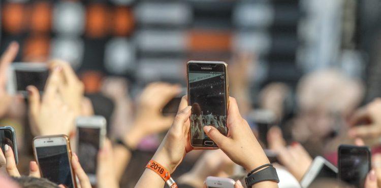 smartfon ładowarka