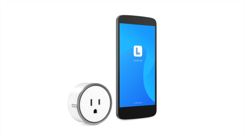 07a Smart Plug Hero With Phone