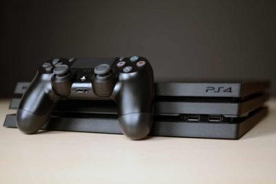 PlayStation 4 pro i slim zagrożone atakiem blokującym konsole.