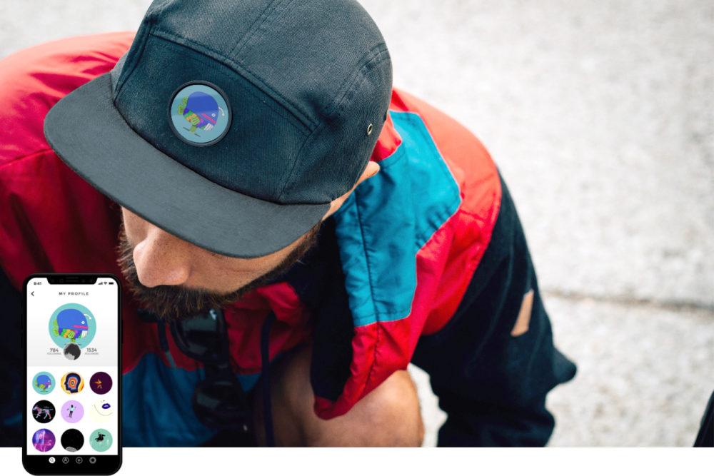 Przedstawiona inteligentna czapka z AMOLED ekranem