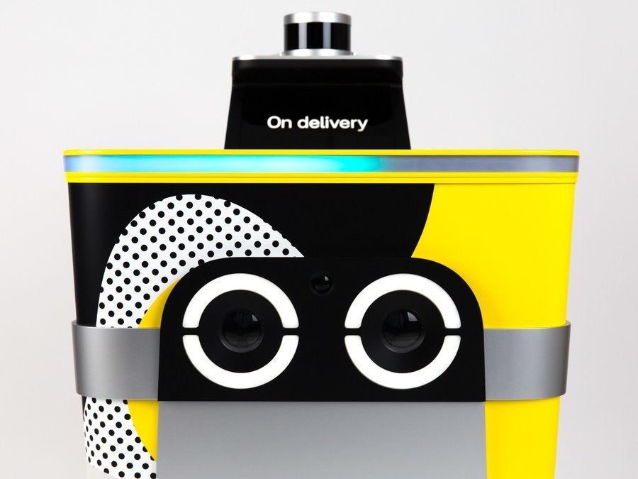 """Robot-listonosz c """"oczami"""", który wygląda jak wózek dziecięcy 2"""