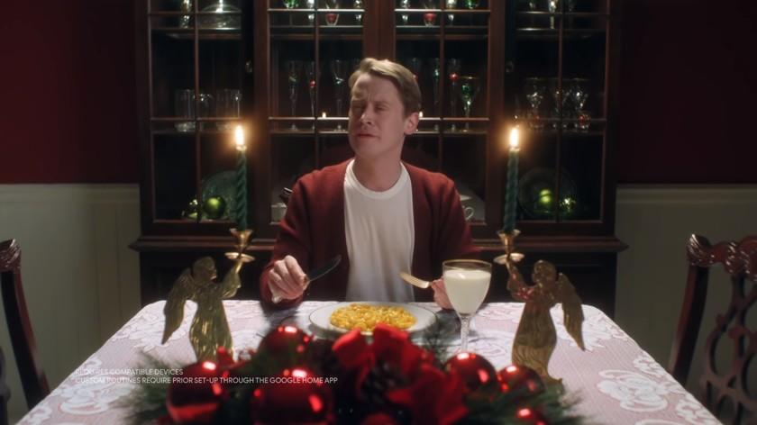"""Nowa wersja """"Kevin sam w domu"""": Google zrobiła sylwestrową reklamę w stylu filmu"""