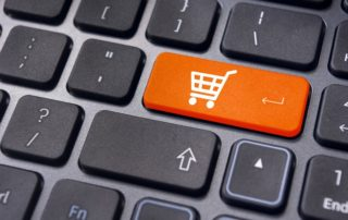 e-Święta Polaków - czy klienci galerii handlowych kupują prezenty online?