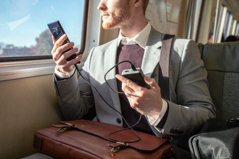 mophie wprowadza uniwersalne powerstation PD oraz PD XL, które zapewniają najszybsze ładowanie smartfonów 2