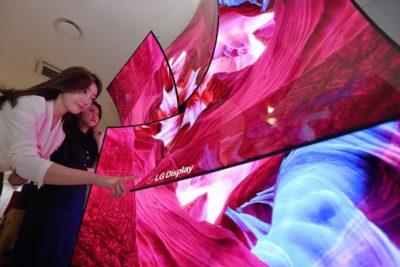 LG na targach CES 2019: składany telewizor, panel 8K OLED i inne nowości