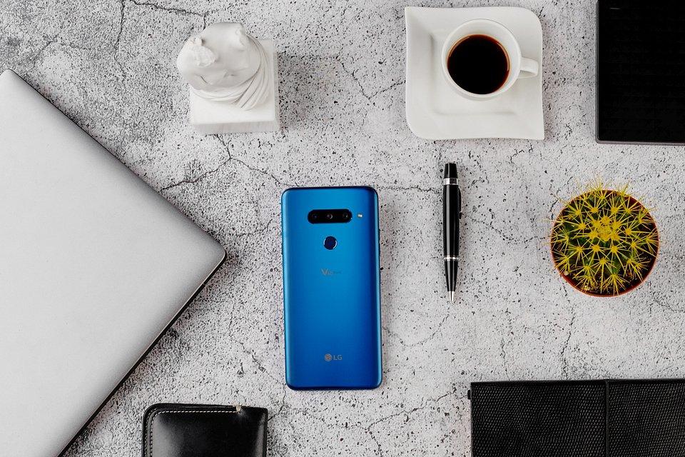LG V40 ThinQ debiutuje w Polsce. Pięć aparatów, sztuczna inteligencja i najlepsza jakość dźwięku 2