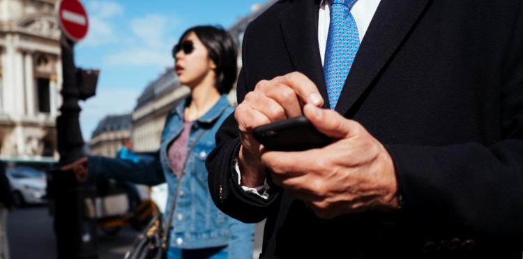 Aż 1 TB danych, nielimitowane rozmowy i SMSy na cały rok