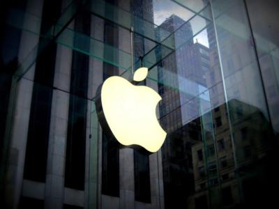Nastolatek pozywa Apple żądając 1 miliard dolarów za rzekomy błąd w rozpoznaniu twarzy