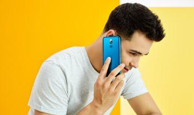 """""""Social friendly"""" - nowy smartfon LG K40 idealny do mediów społecznościowych"""