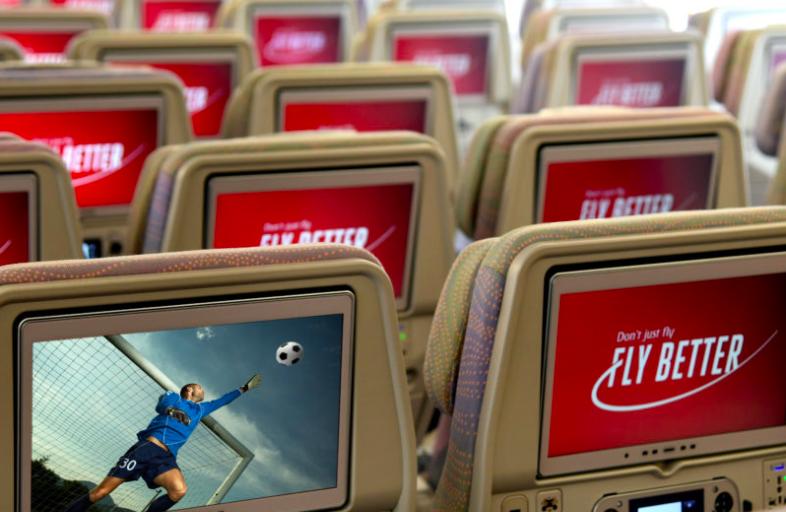 """Linie Emirates stworzą """"podniebny stadion"""", udostępniając transmisję na żywo z finału tegorocznej Ligi Europy i Ligi Mistrzów 2"""