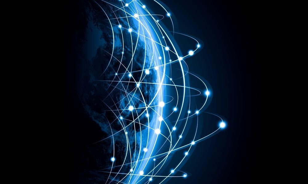 Popyt na sieci światłowodowe rośnie. Powód? Potrzeba coraz wyższych prędkości.