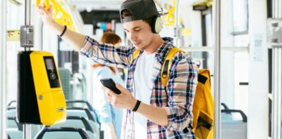 Bilet komunikacji miejskiej możesz kupić przez telefon w Orange