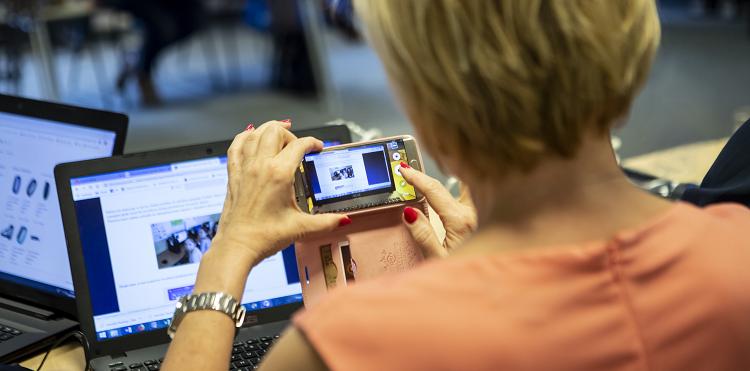 Nowoczesna szkoła z projektem Lekcja:Enter. Rusza nabór instytucji, które będą odpowiedzialne za szkolenia nauczycieli z wykorzystania cyfrowych narzędzi w edukacji.