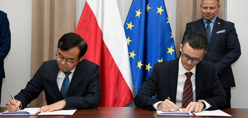 Samsung podpisuje z Ministerstwem Cyfryzacji porozumienie na rzecz cyberbezpieczeństwa