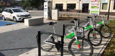 Wielkopolski Śrem bardziej ekologiczny. Najpierw rowery, teraz stacja ładowania samochodów elektrycznych od Orange