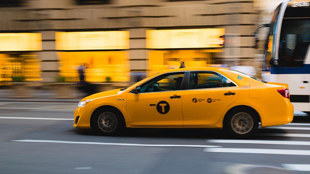 Kursy co 15 sekund i dojazd do klienta w 5 minut – iTaxi podsumowuje kolejny rok działalności