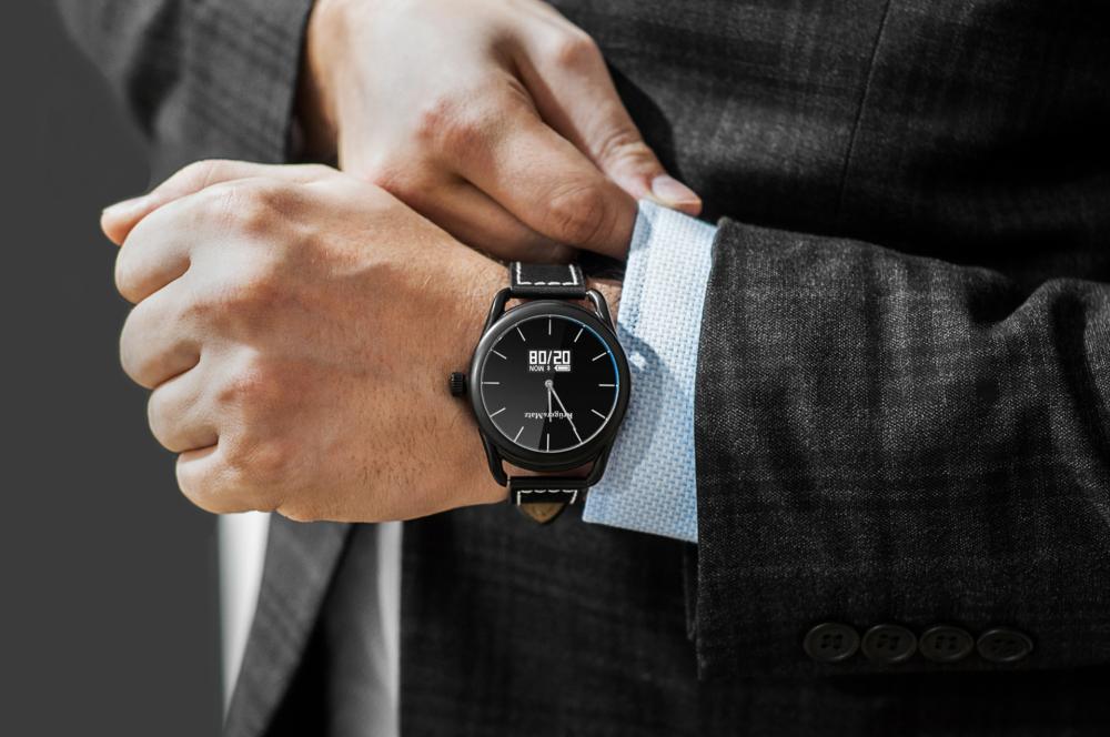 Kruger&Matz wprowadza inteligentny zegarek HYBRID