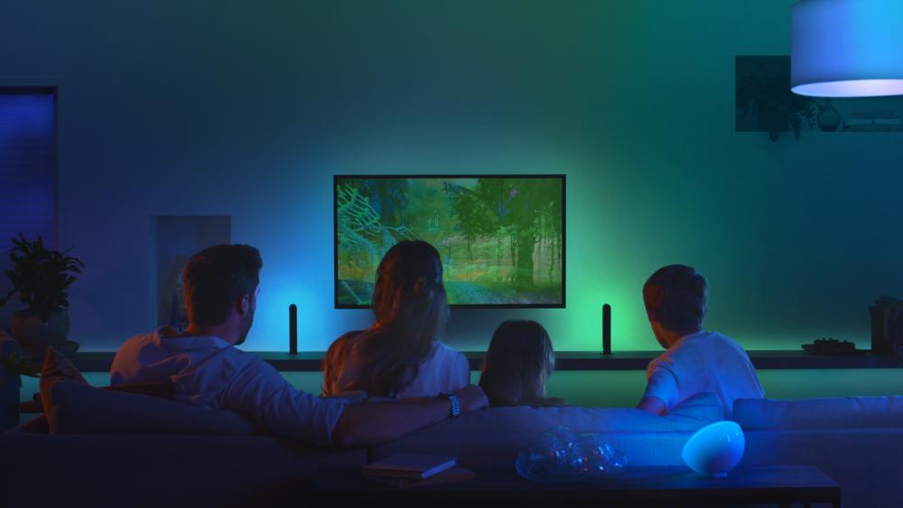 Odkryj na nowy poziom domowej rozrywki z urządzeniem Philips Hue Play HDMI Sync Box