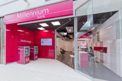 Bank Millennium finalizuje podniesienie limitu płatności zbliżeniowych do 100 zł