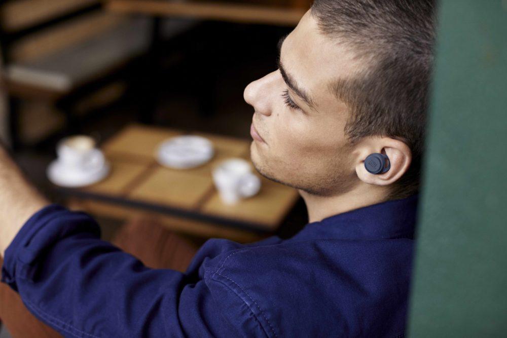 JBL Live 300 TWS - nowe słuchawki w pełni bezprzewodowe