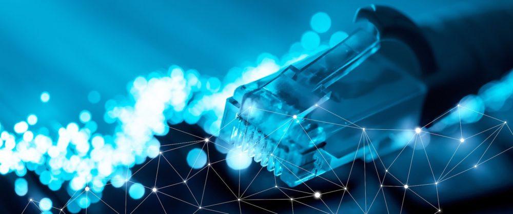 Gigabitowy internet wesprze firmy w transformacji cyfrowej, przynosząc korzyści konsumentom i społeczeństwu