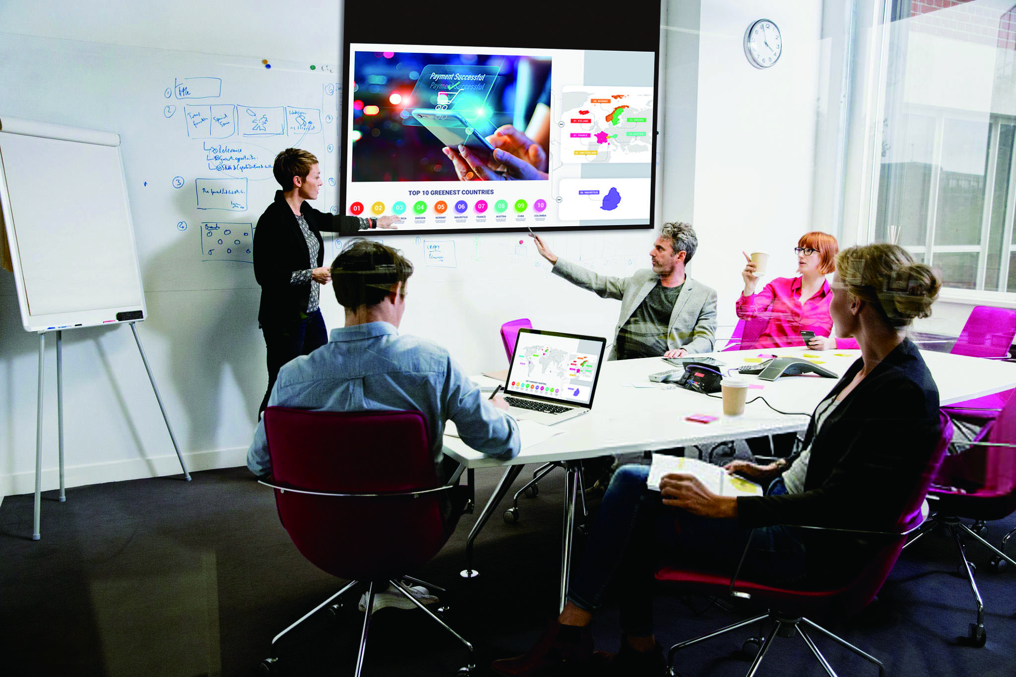 Panasonic ulepsza technologię odwzorowania kolorów, wzbogacając swoję ofertę o projektory RGB LED