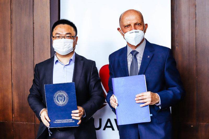 Huawei Polska i Politechnika Warszawska podpisały porozumienie o współpracy