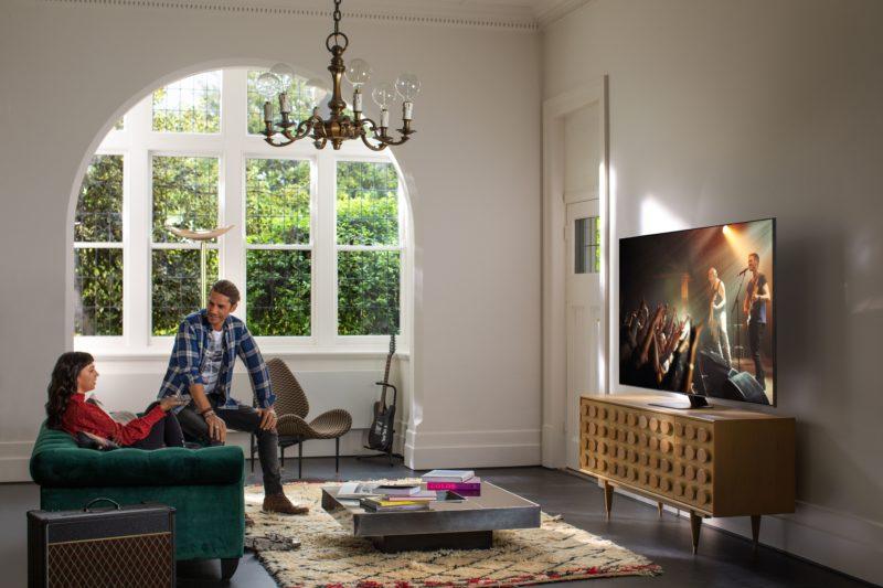 Q-Symphony – idealnie dopasowany duet już w sprzedaży. Telewizor QLED Q80T i soundbar Q60T