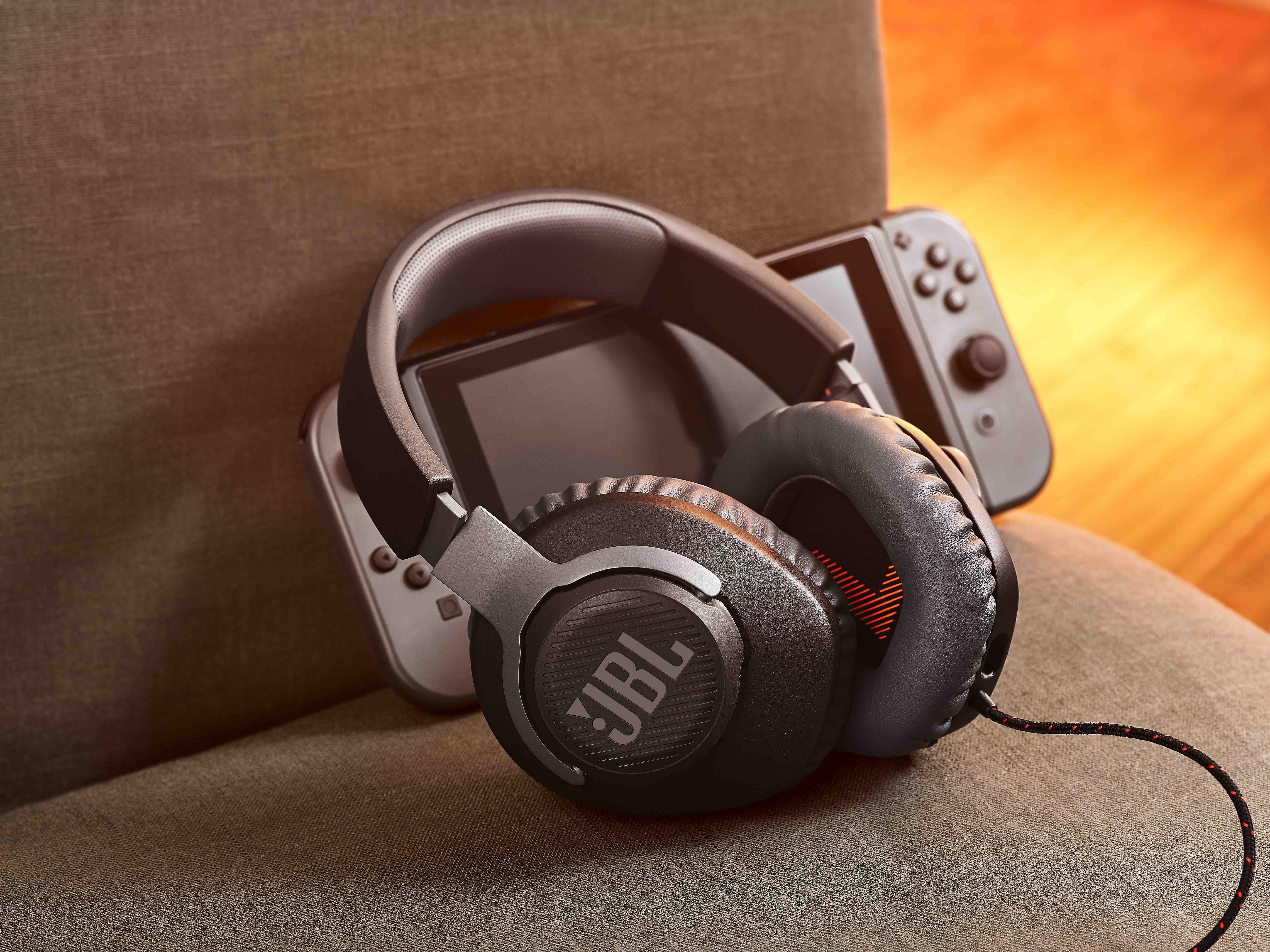 JBL Quantum - nowa seria słuchawek i głośników gamingowych