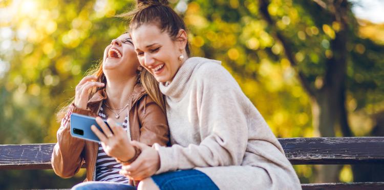 Atrakcyjne urządzenia z 3 ratami za 0 zł na powrót do szkoły i dla firmy, więcej mobilnej rozrywki od Orange