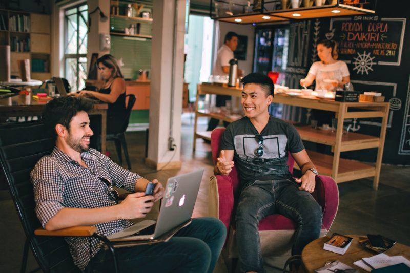 VMware rozwija usługi, definiujące przyszłość zdalnej pracy i edukacji