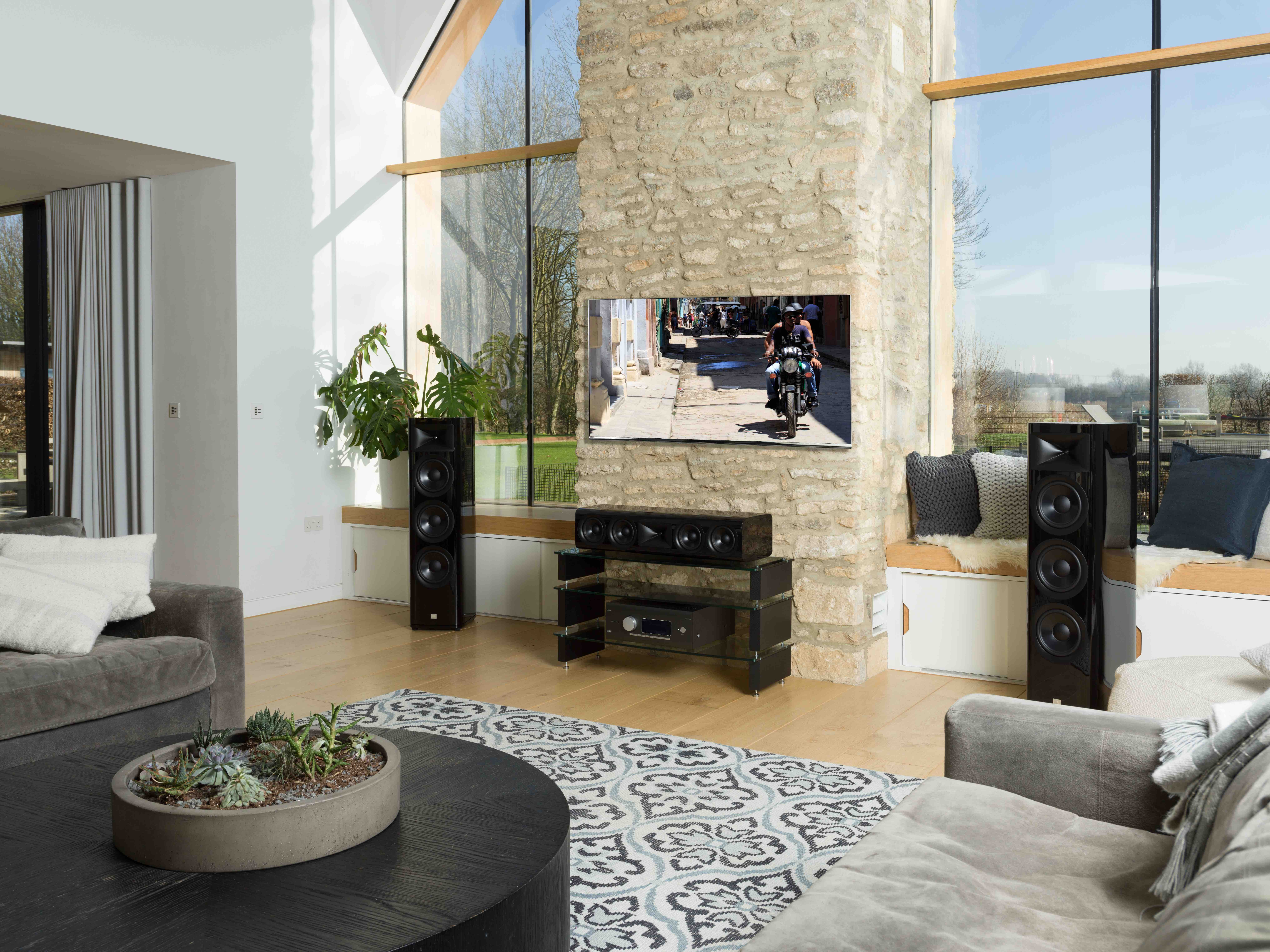 JBL HDI seria kolumn luxury audio