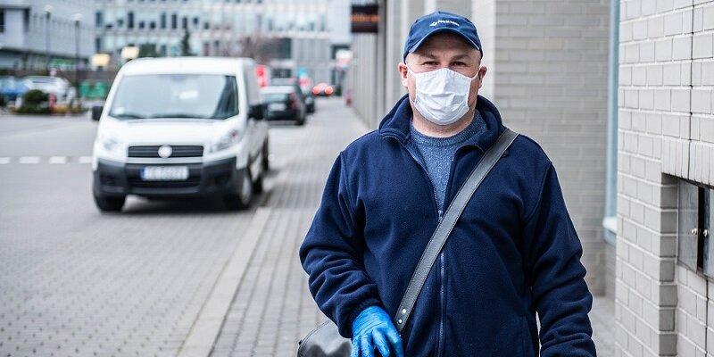 Poczta Polska: doręczanie przesyłek w czasie epidemii koronawirusa