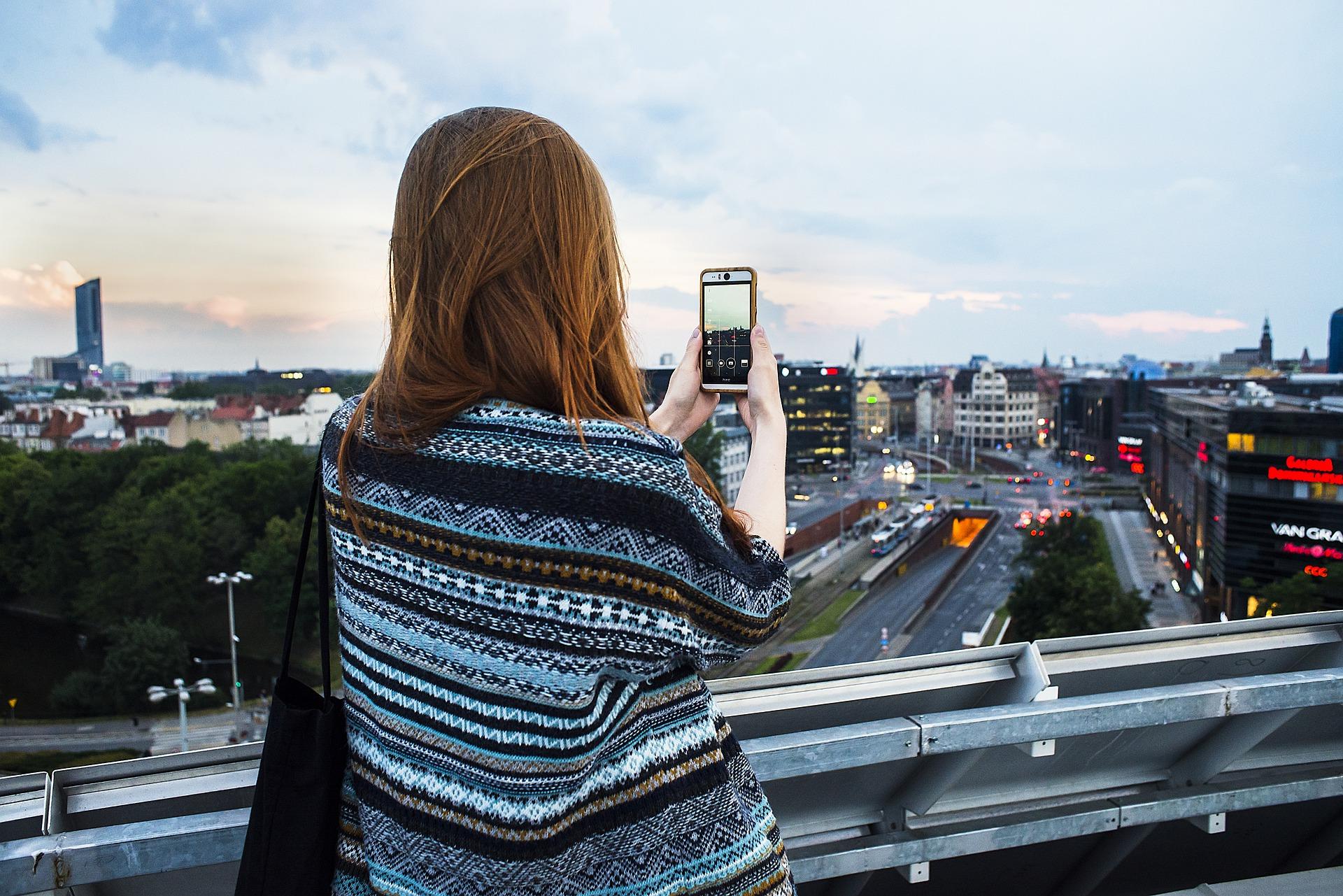 """Badanie Ericsson: Polacy czekają na sieć 5G """"Made in Poland"""""""