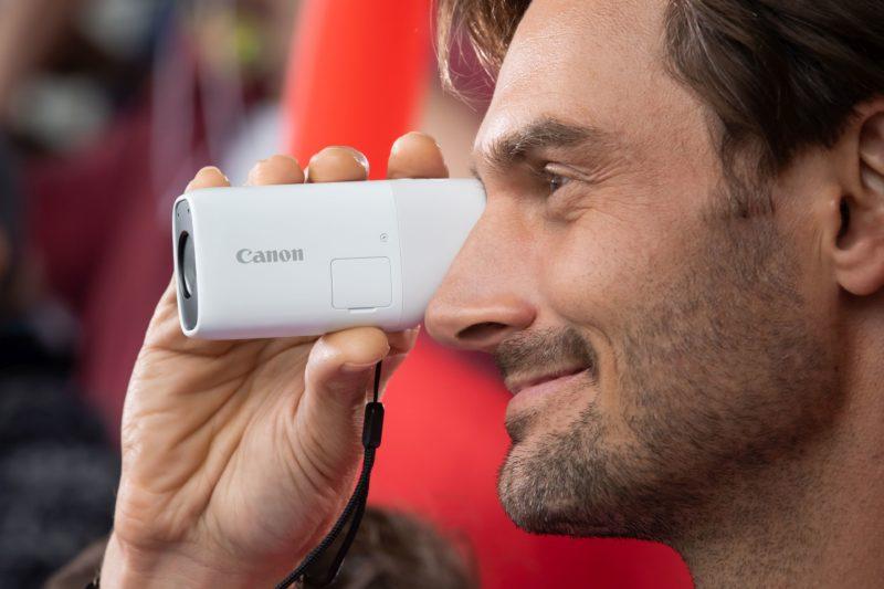 Canon prezentuje PowerShot ZOOM – nowy koncepcyjny aparat z superzoomem