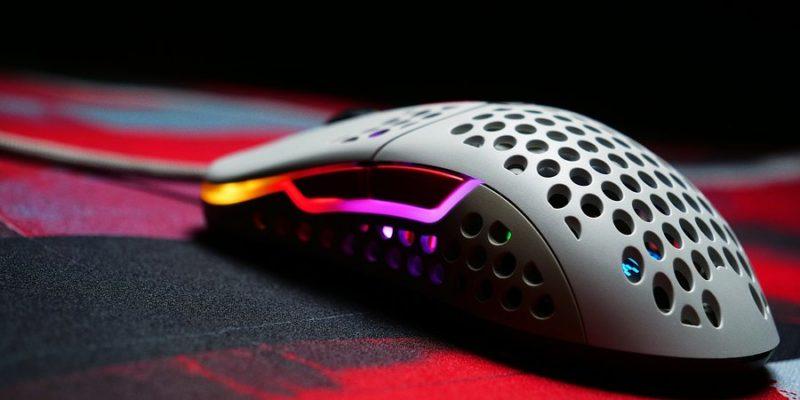 Xtrfy przedstawia ultralekką myszkę z możliwością regulacji kształtu – M42