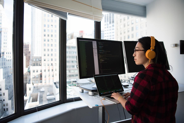 77 proc. juniorów ma lub miało ostatnio problem ze znalezieniem pracy - nowy raport No Fluff Jobs