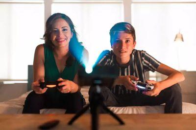 Multimedialna mobilność w domowym zaciszu z projektorami Philips